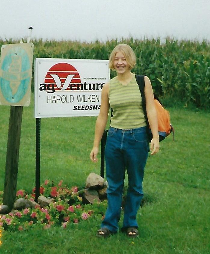 Janie+1st+day+of+school+1999.jpg