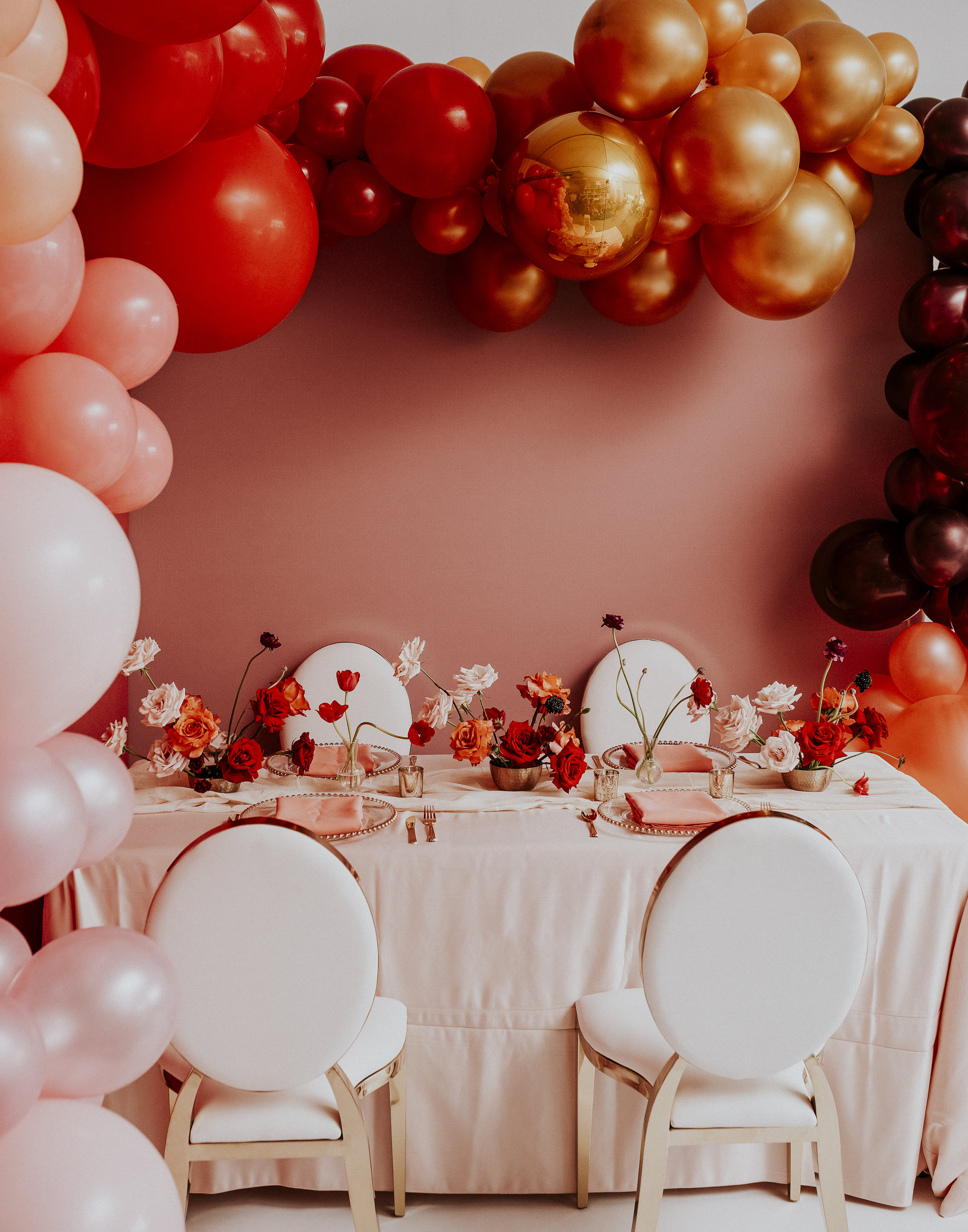 Table with Balloon Frame