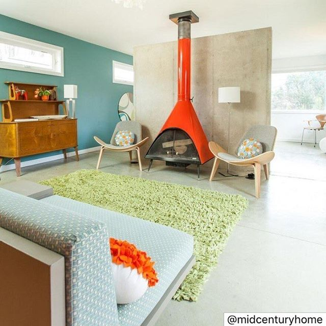 We love that funky fireplace! 🔥😍 - REPOST @midcenturyhome: Interior designer Elin Walters and her realtor husband, Christian Ward, took on the personal project to design their own home. The couple's careers in the field of architecture together with a passion for midcentury modern aesthetic fused to make sure that each part of the home has been carefully thought out using space wisely, employing natural materials and creating a natural flow throughout the home. ⠀ 👉🏻LINK IN BIO FOR MORE 👉🏻⠀ .⠀ .⠀ If you are selling your mid-century house and need help from people who really care about it, contact us: info@midcenturyhome.com ⠀ .⠀ .⠀ .⠀ .⠀ .⠀ .⠀ .⠀ #modernarchitecture #modern #architecture #interiors #interior #homedecor #homedesign #interiorstyling #interiordecor #contemporary #home #homestyle #midcenturyhome