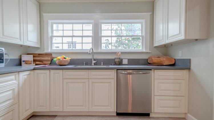 1122_Kitchen 2.jpg