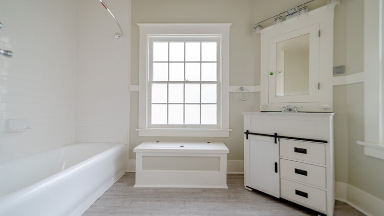 1122_Upstairs Bathroom 1.jpg
