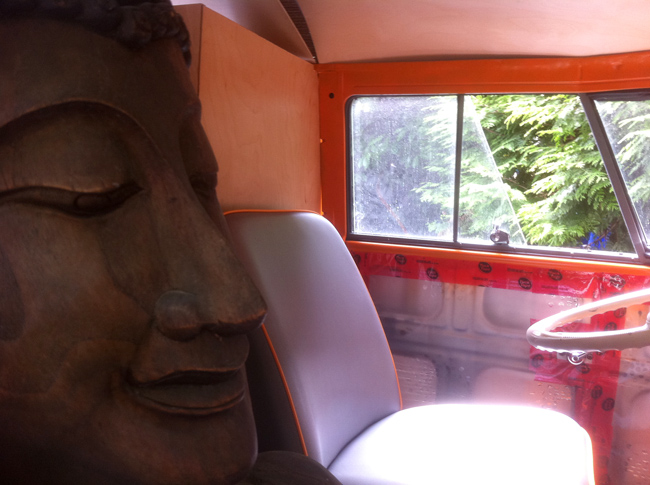 buddha bus