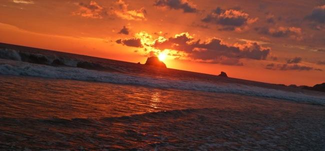 zipolite-sunset-rock.jpg