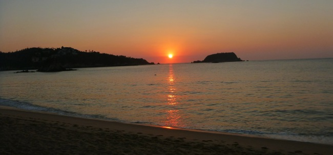 huatulco-sunset.jpg