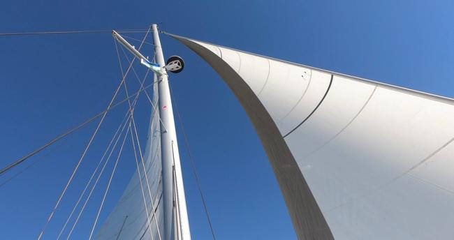 sails up.jpg