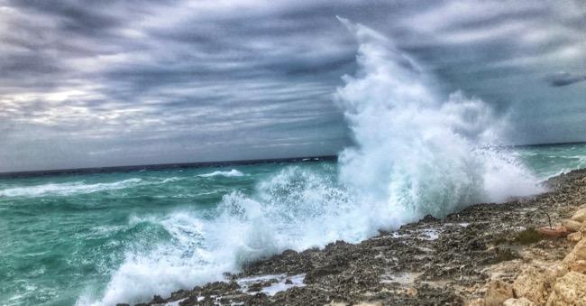 crashing waves1.jpg