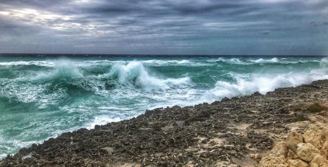 crashing waves2.jpg