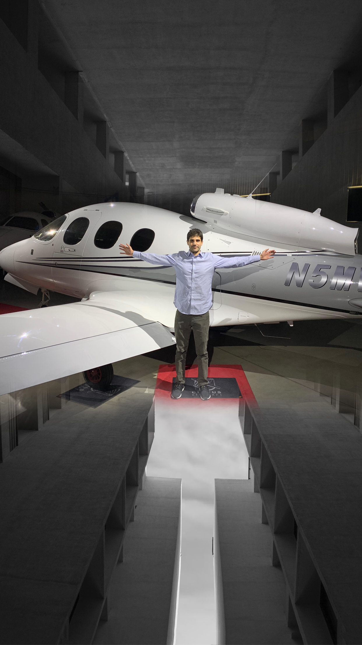 Season 1 Episode 6: N5MW The Vision Jet!  Max Weldon  Max Weldon, a newly rated jet pilot, gives a first hand perspective on his training with Cirrus aircraft as he transitions from the SR22 to the SF50 Vison Jet!