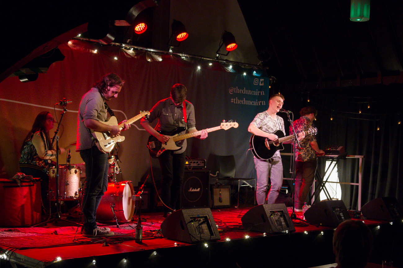 Buí play the main stage at The Duncairn. Image  Stan Nikolov