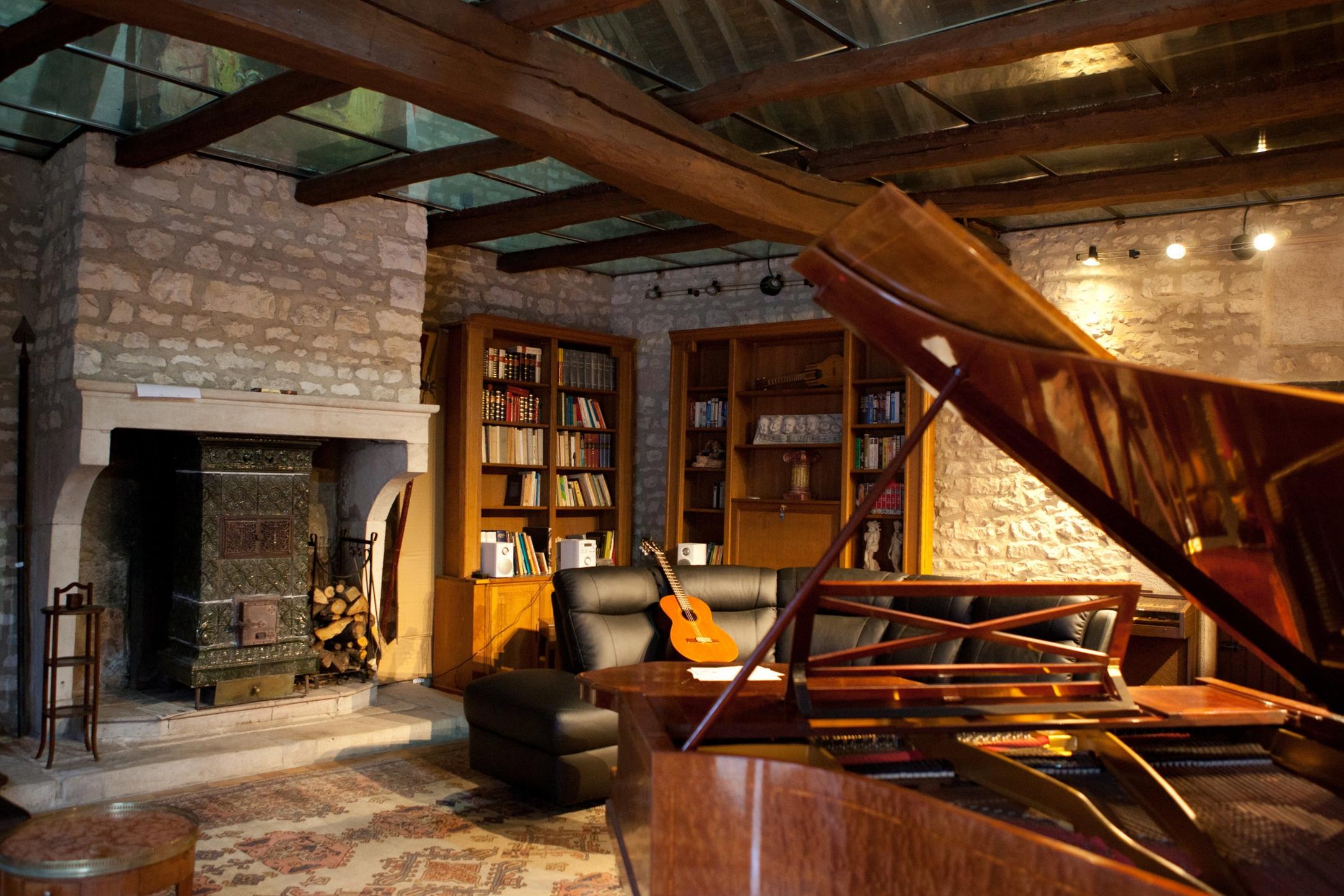 Anatole Studio