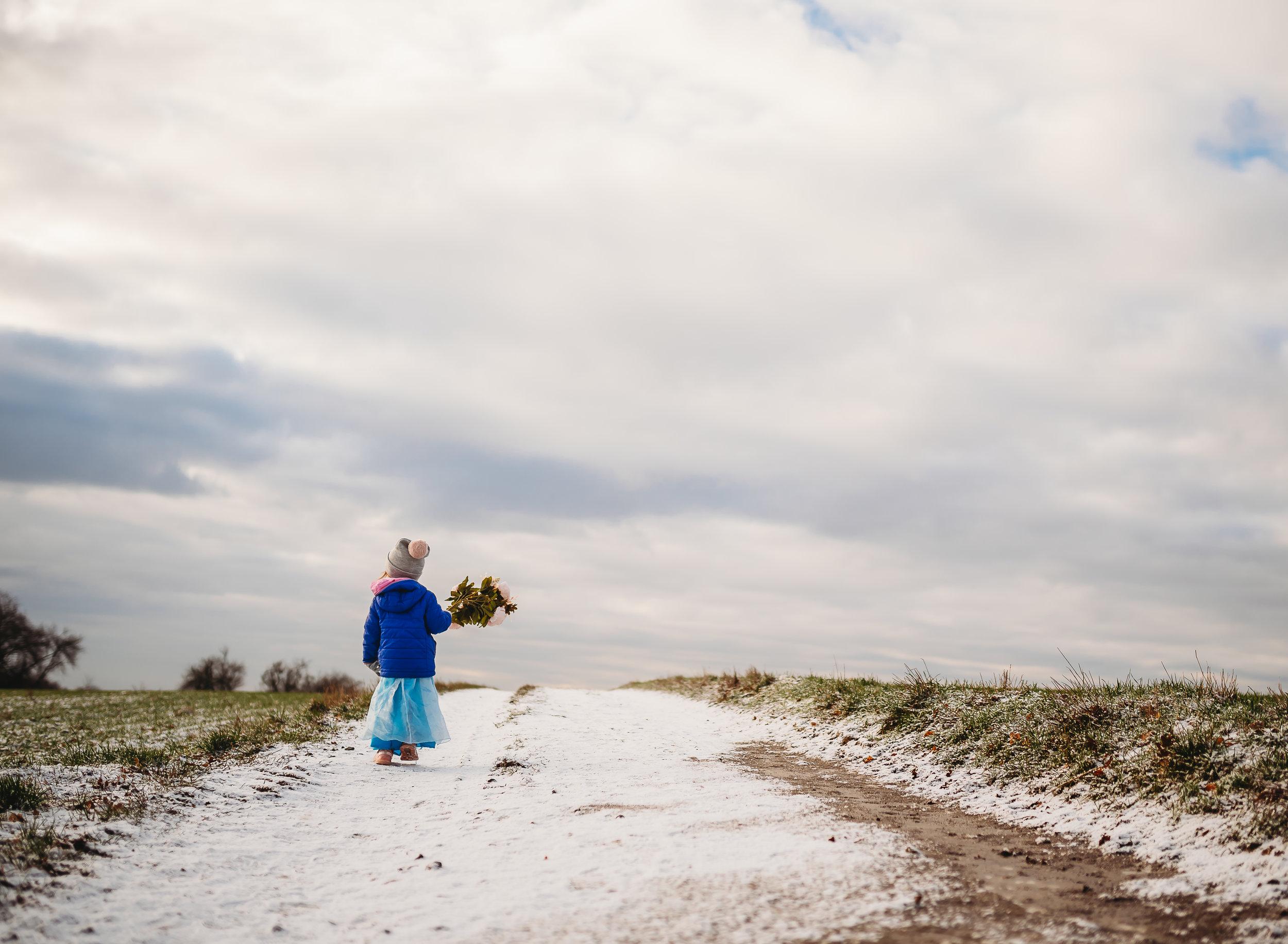 1.29 Elsa in the snow-17.jpg