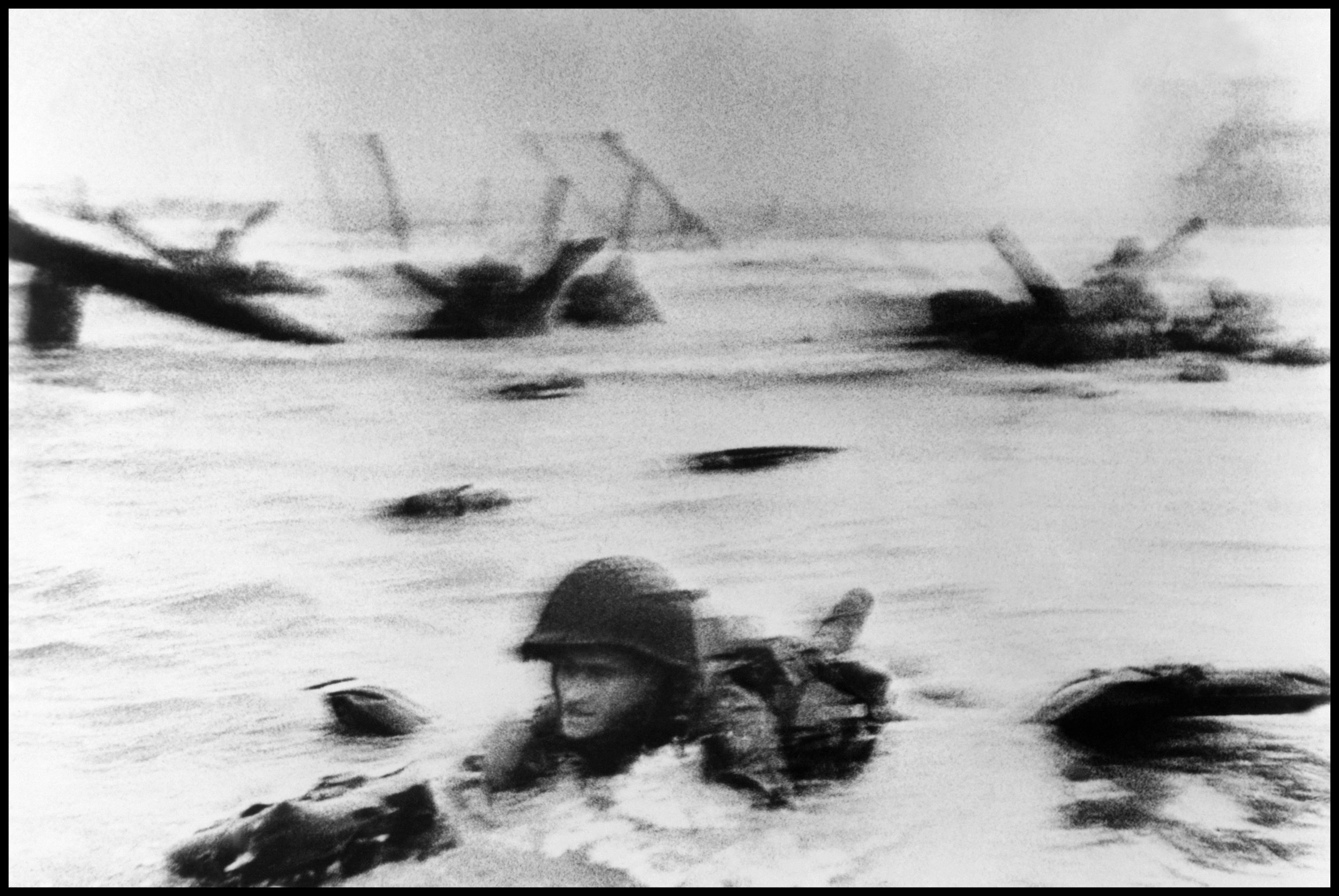 robert-capa-dday-face-in-the-surf.jpg