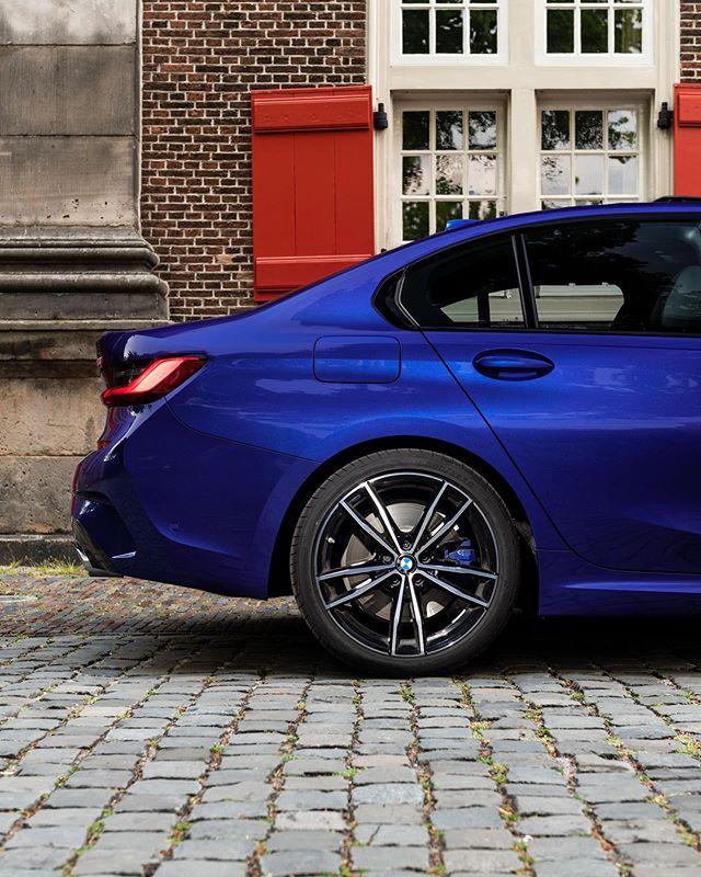 "The new 3. A new Hofmeister Kink. BMW 320i M Sport (Plus) Portimao Blau with 19"" style 791 M. @bmwnederland @apa.photo @bmw #bmw #bmw3 #bmw3series #g20 #portimaoblau #bmw320i #msport #msportplus #style791 #bmwm #bmwg20 #bmwnederland #apa #apaphoto #automotivephotography #caroftheday #newbmw3 #newbmw #cars #bmwlife #bmw3series #bmwinsta #bmwpower #bmwmperformance"
