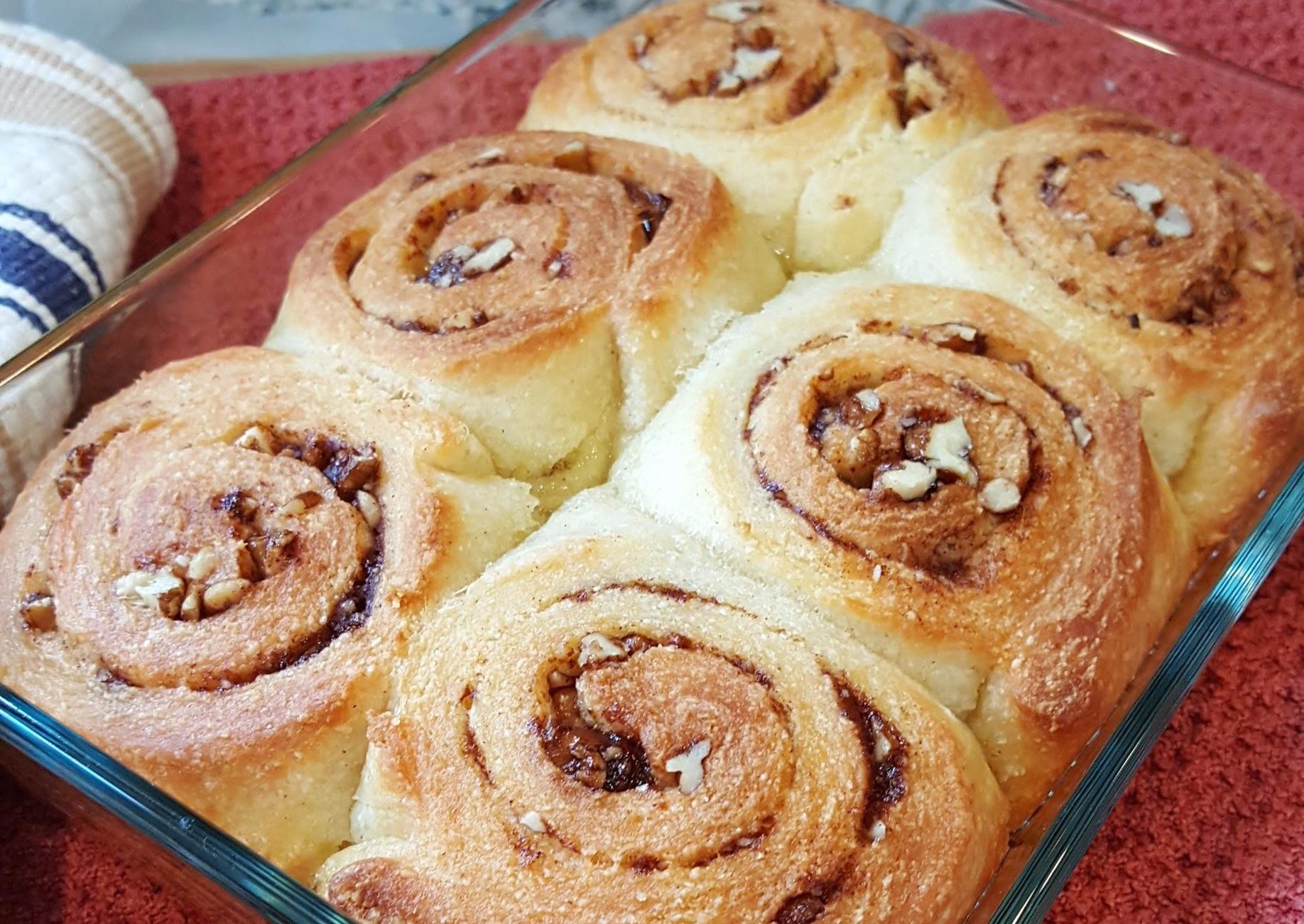 - Pecan sticky buns