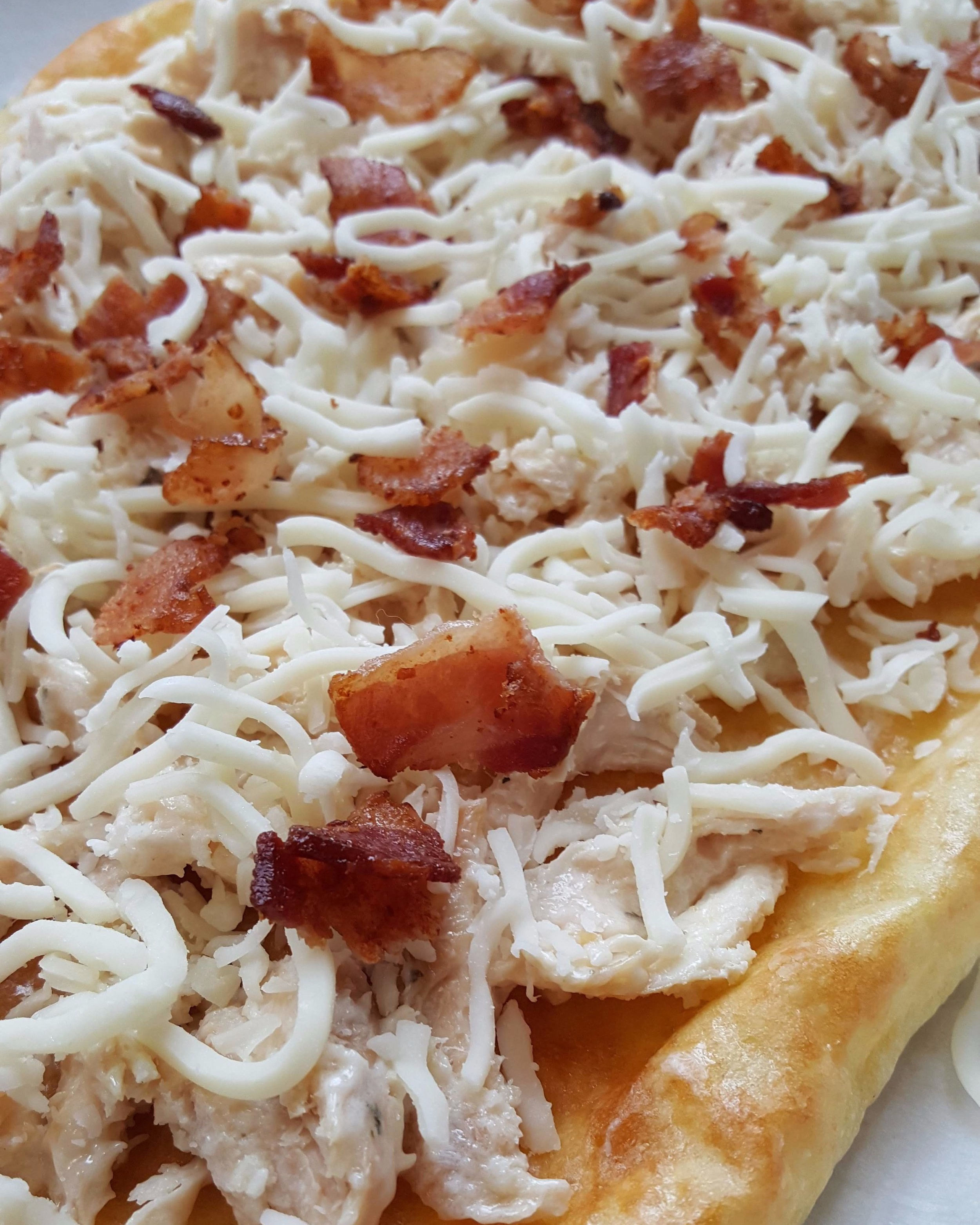 - chicken bacon ranch flatbread