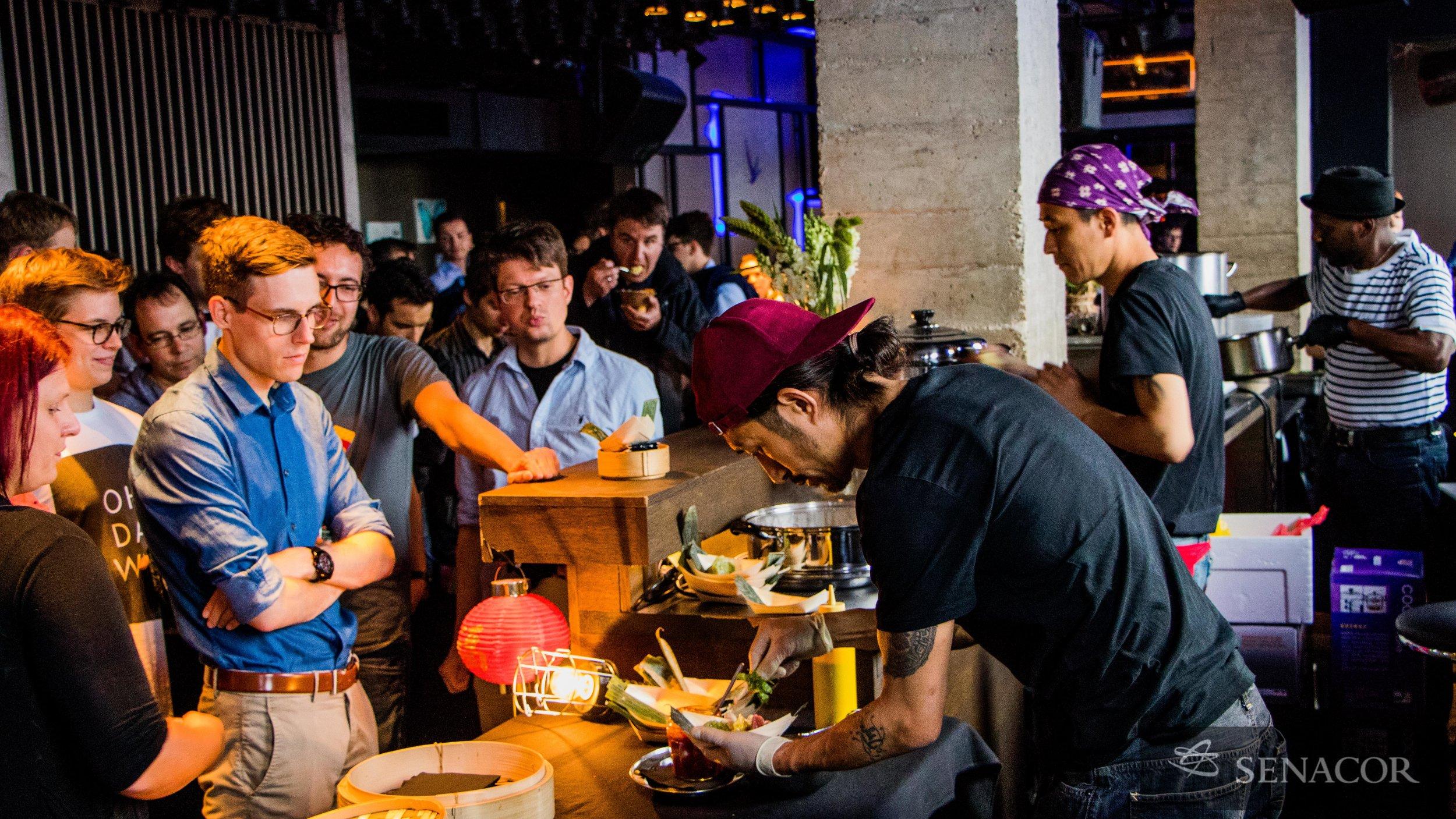 Live food station Club