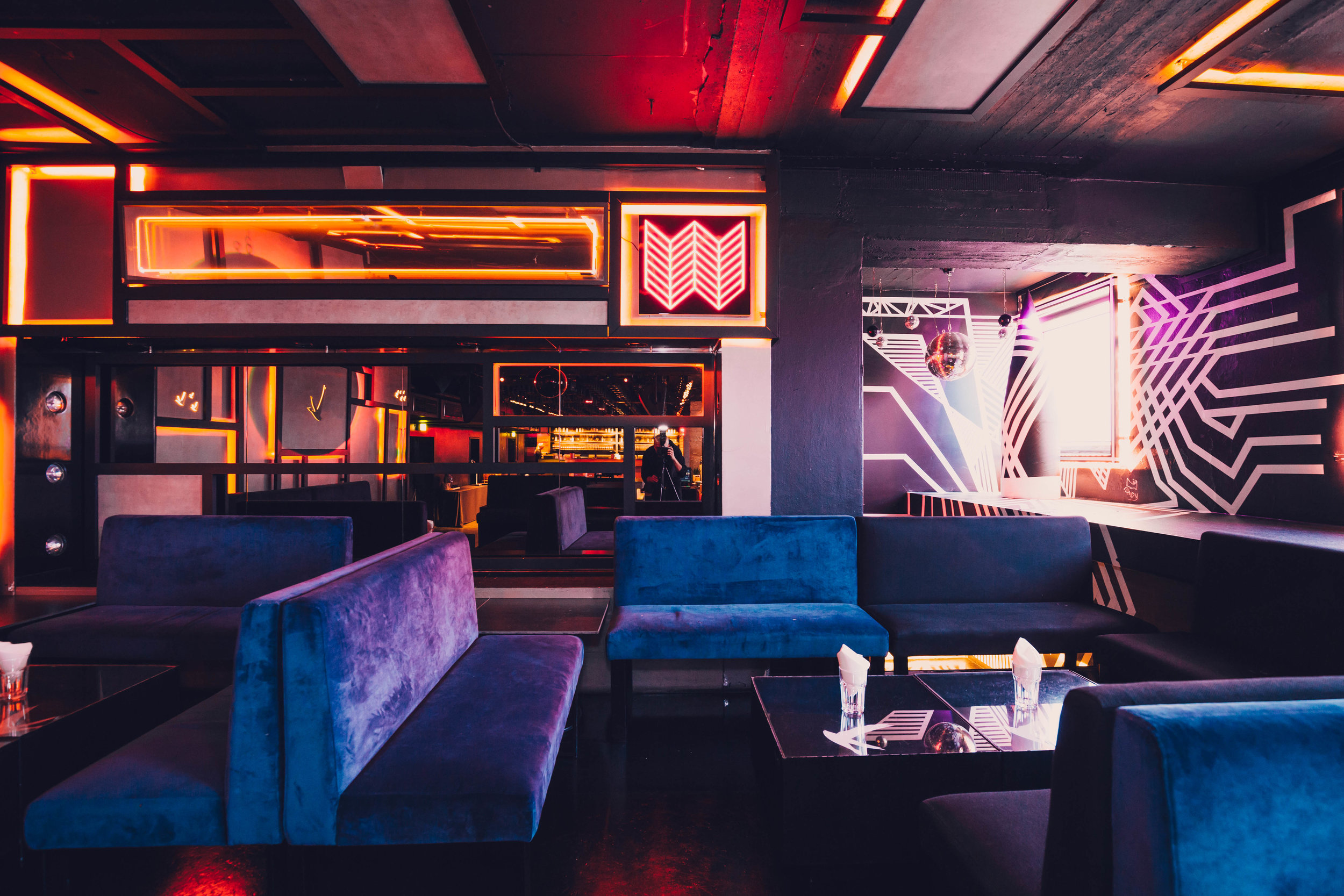 Club Lounges