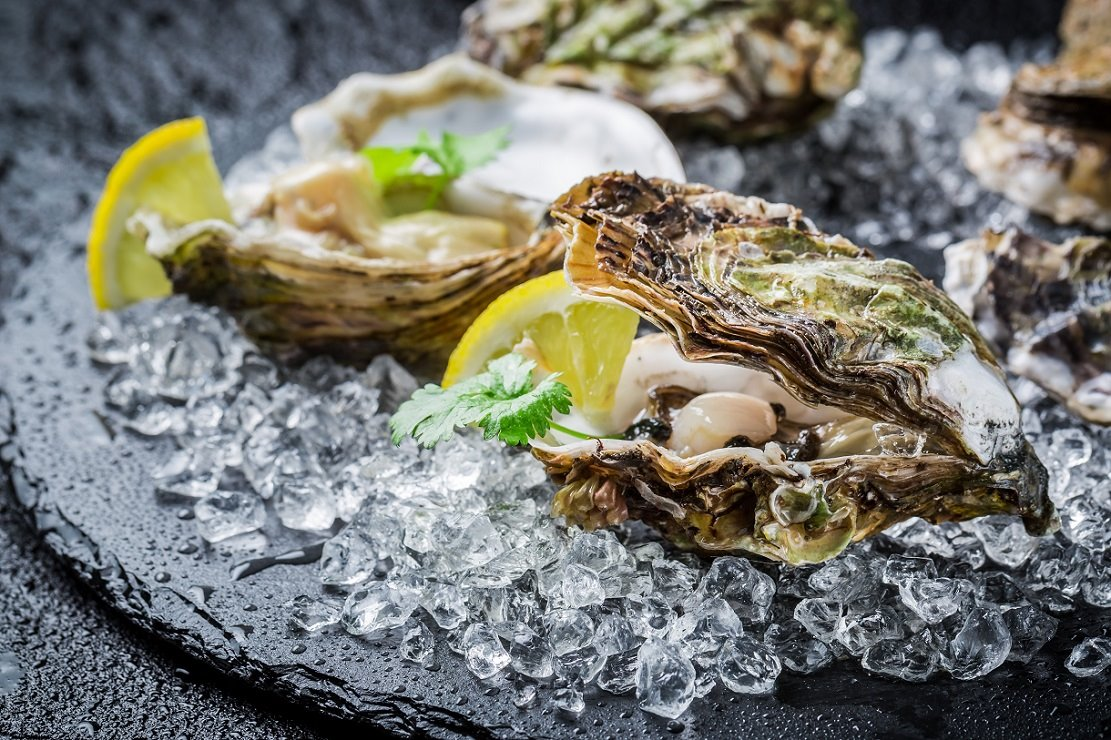 Austern & Wodka  Enjoy delicious oyster by Ricarda Farnbacher and many more specials.
