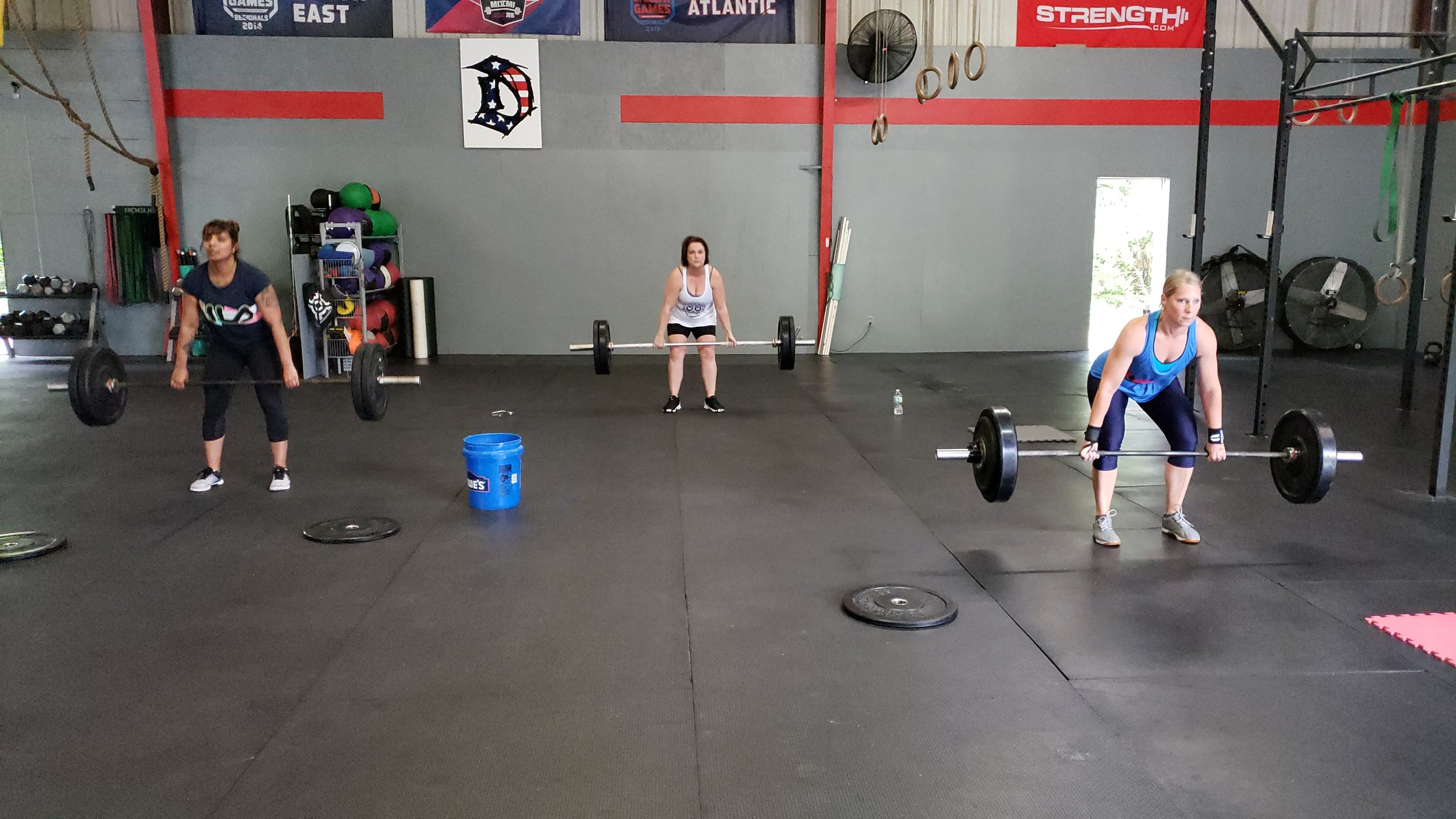 WOD CLASS - Constantly Varied, High Intensity, Functional Movement!A program that combines strength training and barbell/dumbbell cycling with metcons (a.k.a. metabolic conditioning).The constantly varied programming is designed so that you will never get bored, and more importantly, never hit any plateaus! Suitable for ALL fitness levels ages 10-99.