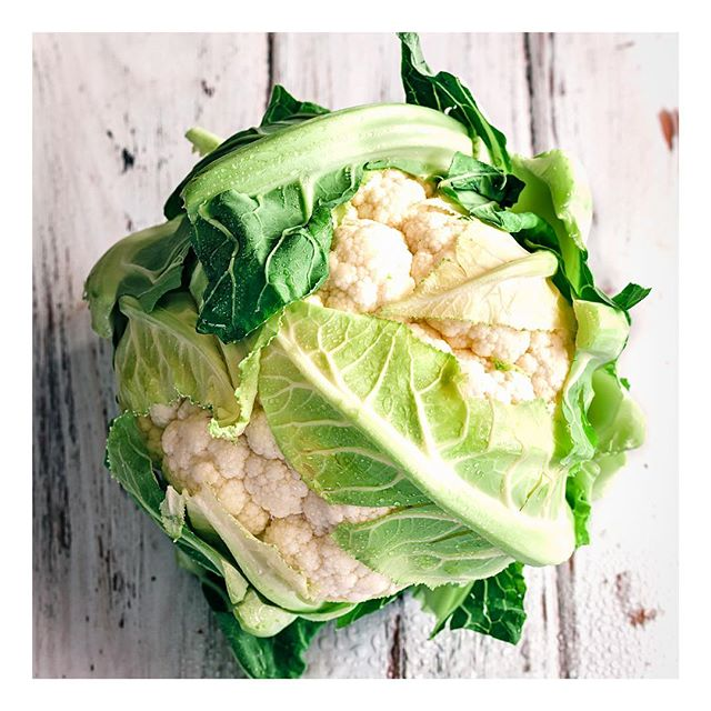 It may not be everyone's favourite..but cauliflower is an extremely healthy vegetable! It contains a powerhouse of nutrients including vitamin C, vitamin K, vitamin B6, Folate, Potassium and Magnesium, to name a few! Cauliflower is also a good source of antioxidants and fibre. Plus it is a versatile vegetable that can be eaten in many different ways - both raw and cooked! #eatwelltofeelwell #healthyfood #healthyliving #vegetarian #vegan #foodismedicine #youarewhatyoueat #funtionalmedicine #antioxidants #vitamins #minerals #vitaminsandminerals #nutrition #nutritionist #healthcoach #healthyhabitudes #healthyhabits #health #healthysnacks #healthylifestyle #healthyeating #cauliflower