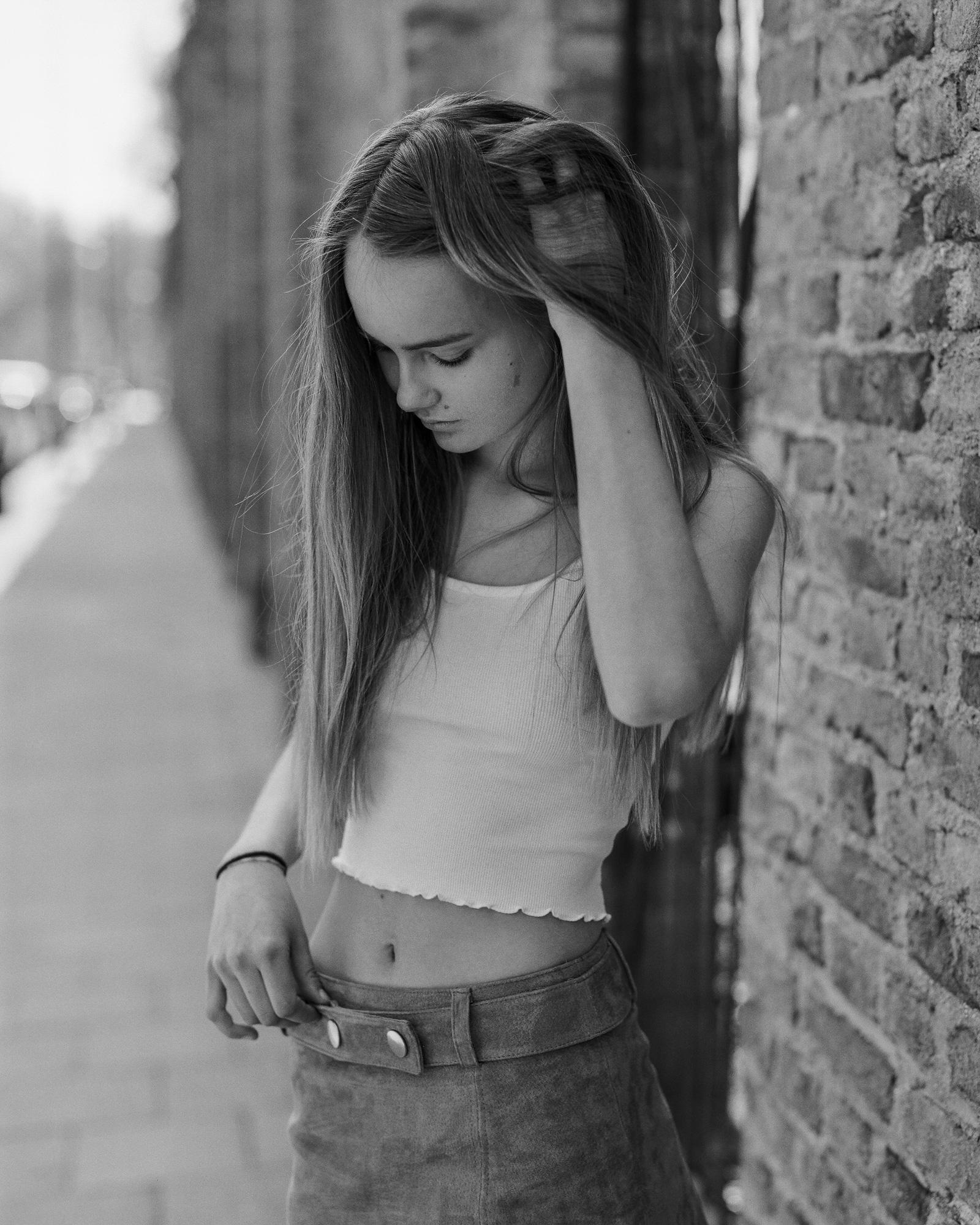 Louise_08_04_2018_Kodak_Tri-x_3_3.jpg