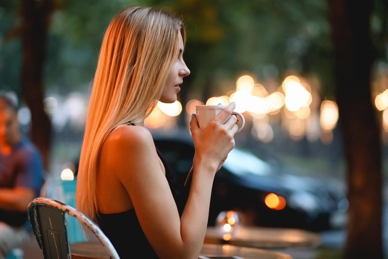 cafe_girl.jpg