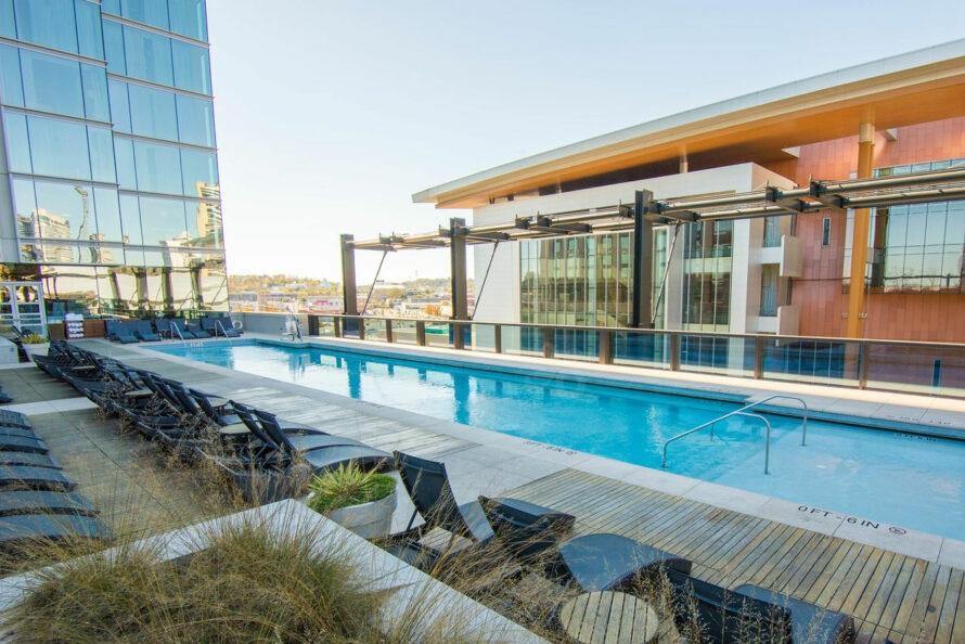 pool--v9931054-w902.jpg