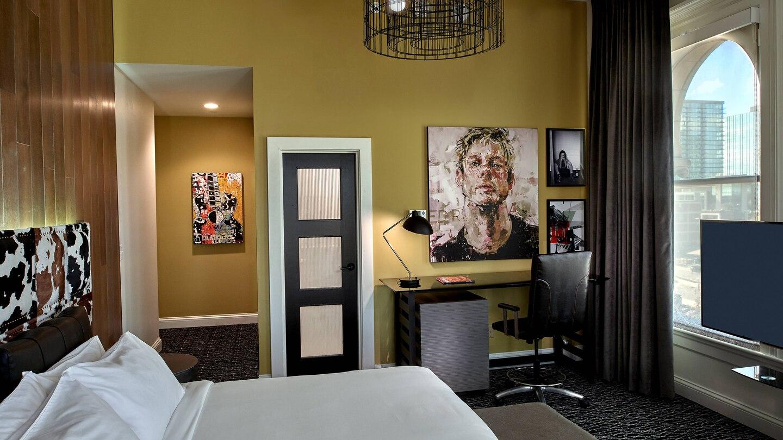 bnaak-guestroom-0055-hor-wide.jpg