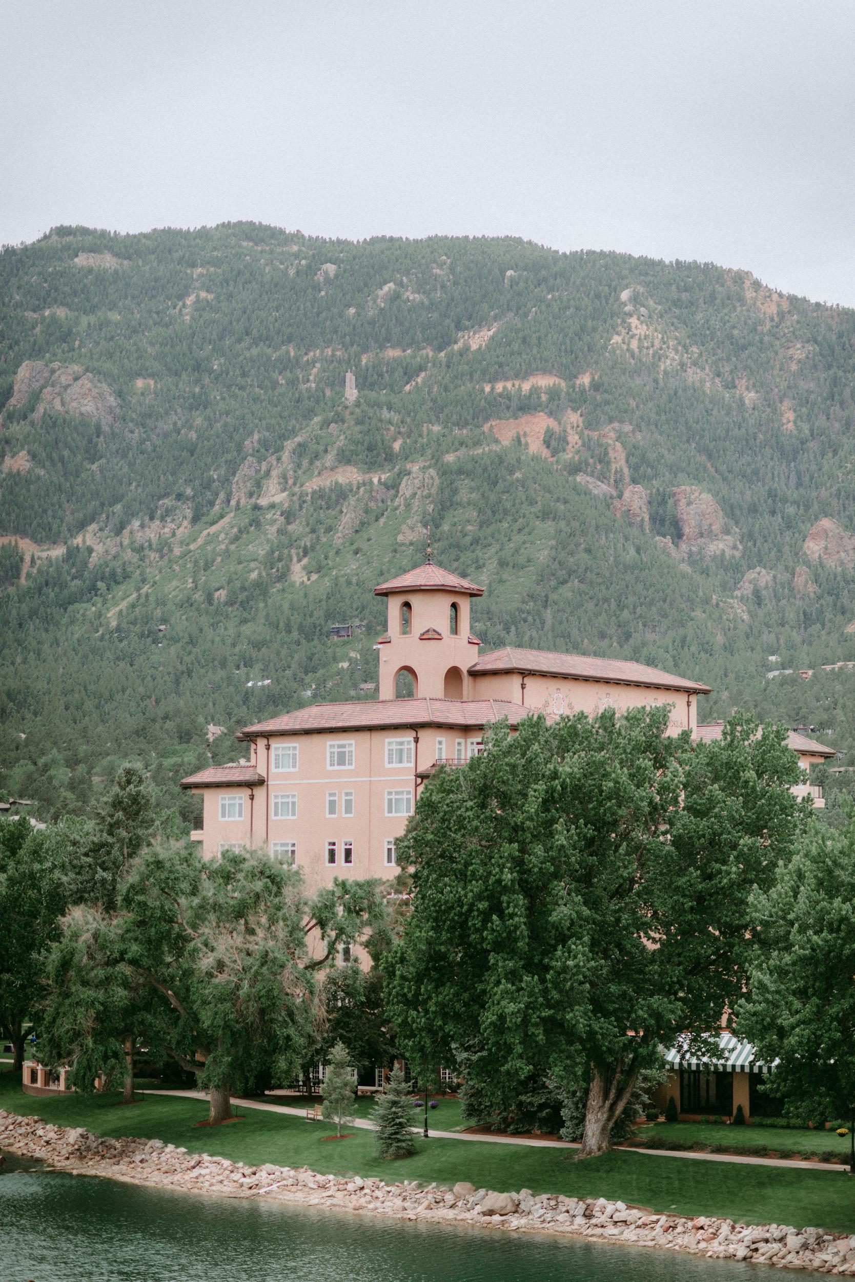 Broadmoor-Wedding-Photography-KC-001.jpg