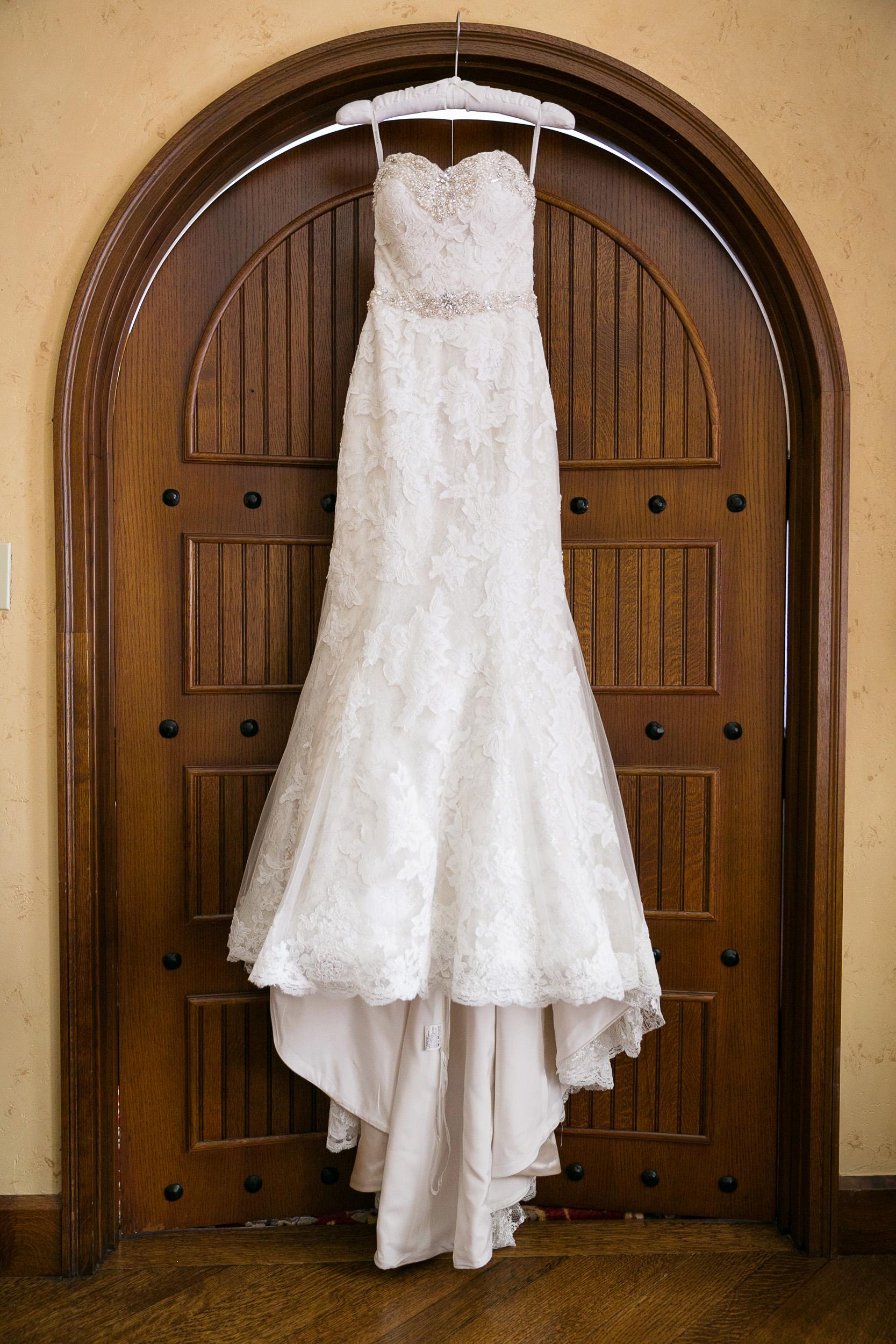 Brown-Palace-Wedding-Photos-004.jpg