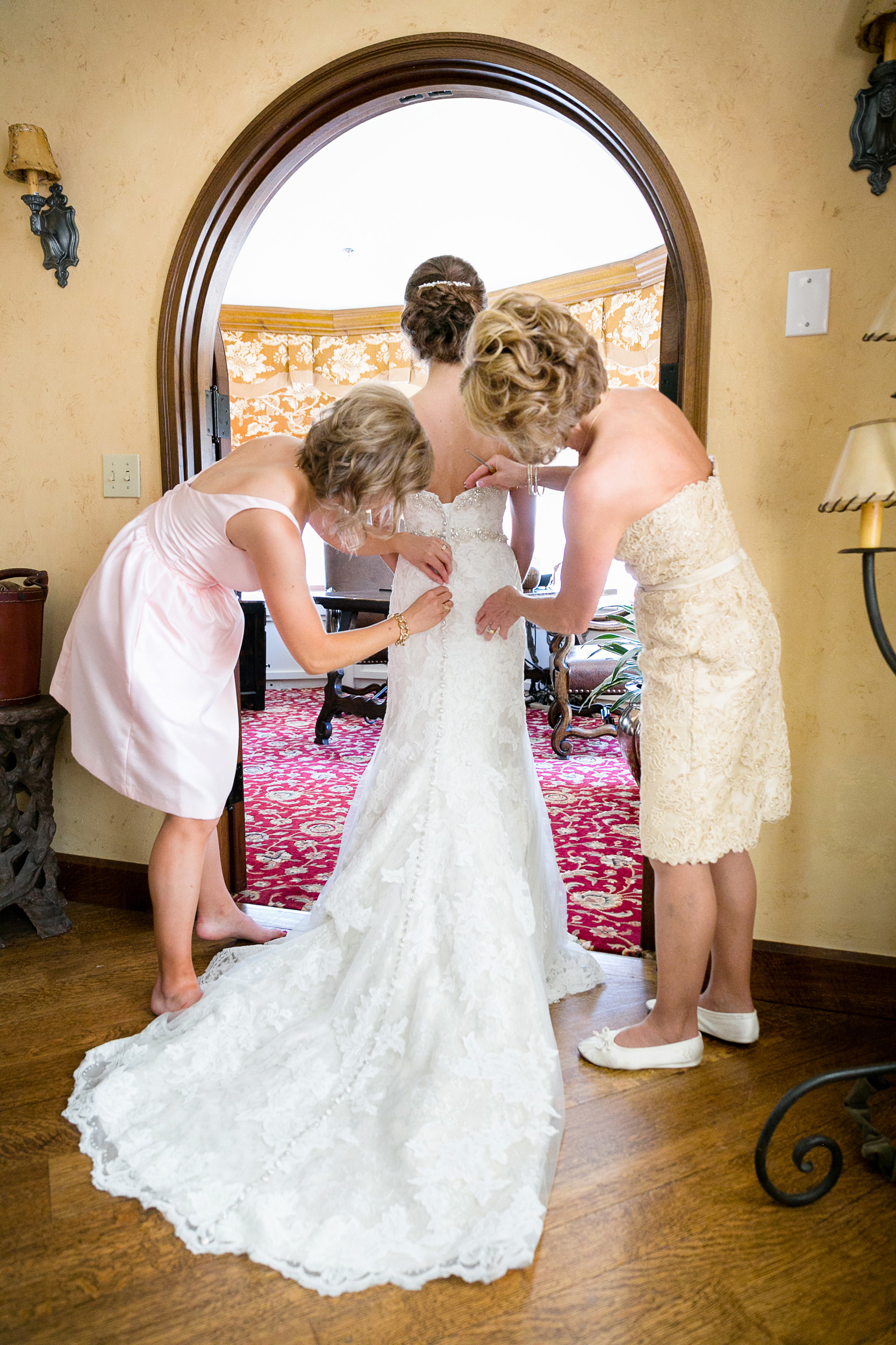 Brown-Palace-Wedding-Photos-007.jpg
