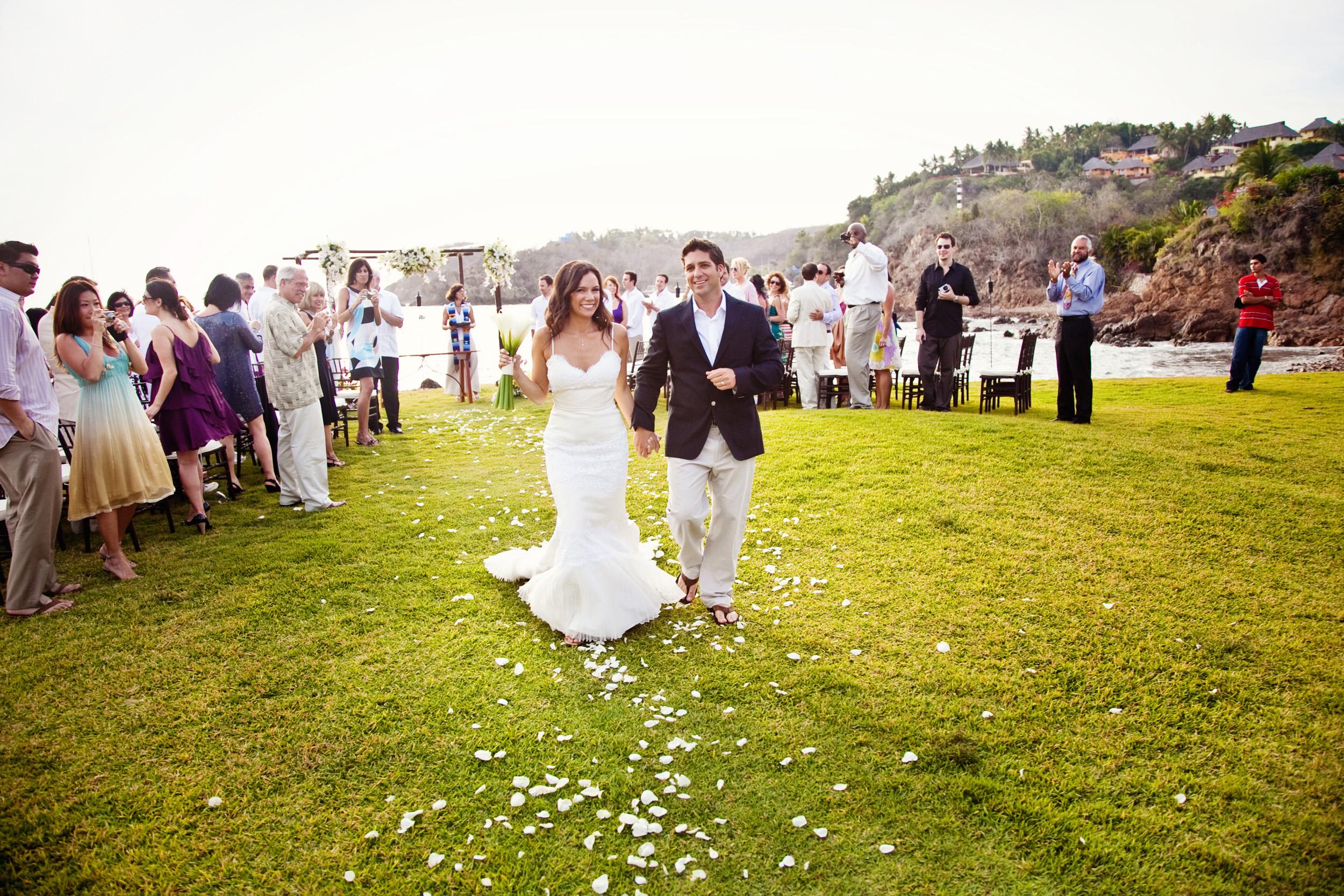 Wedding-at-El-Careyes-Club-016.jpg