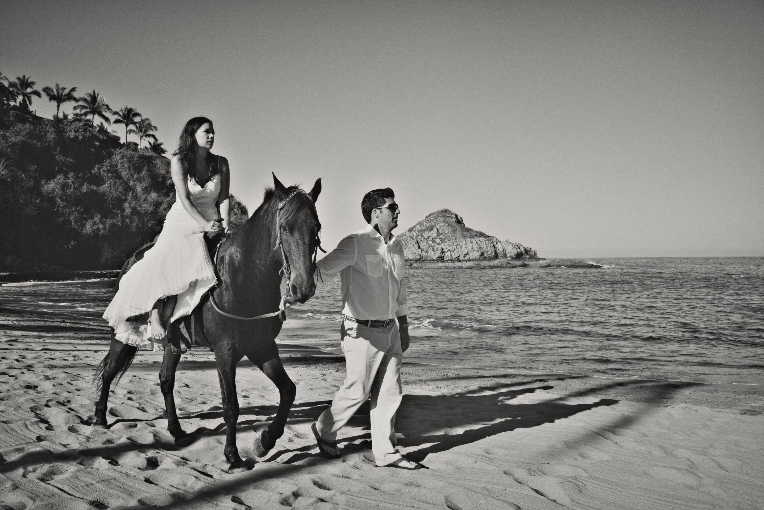 Wedding-at-El-Careyes-Club-028.jpg