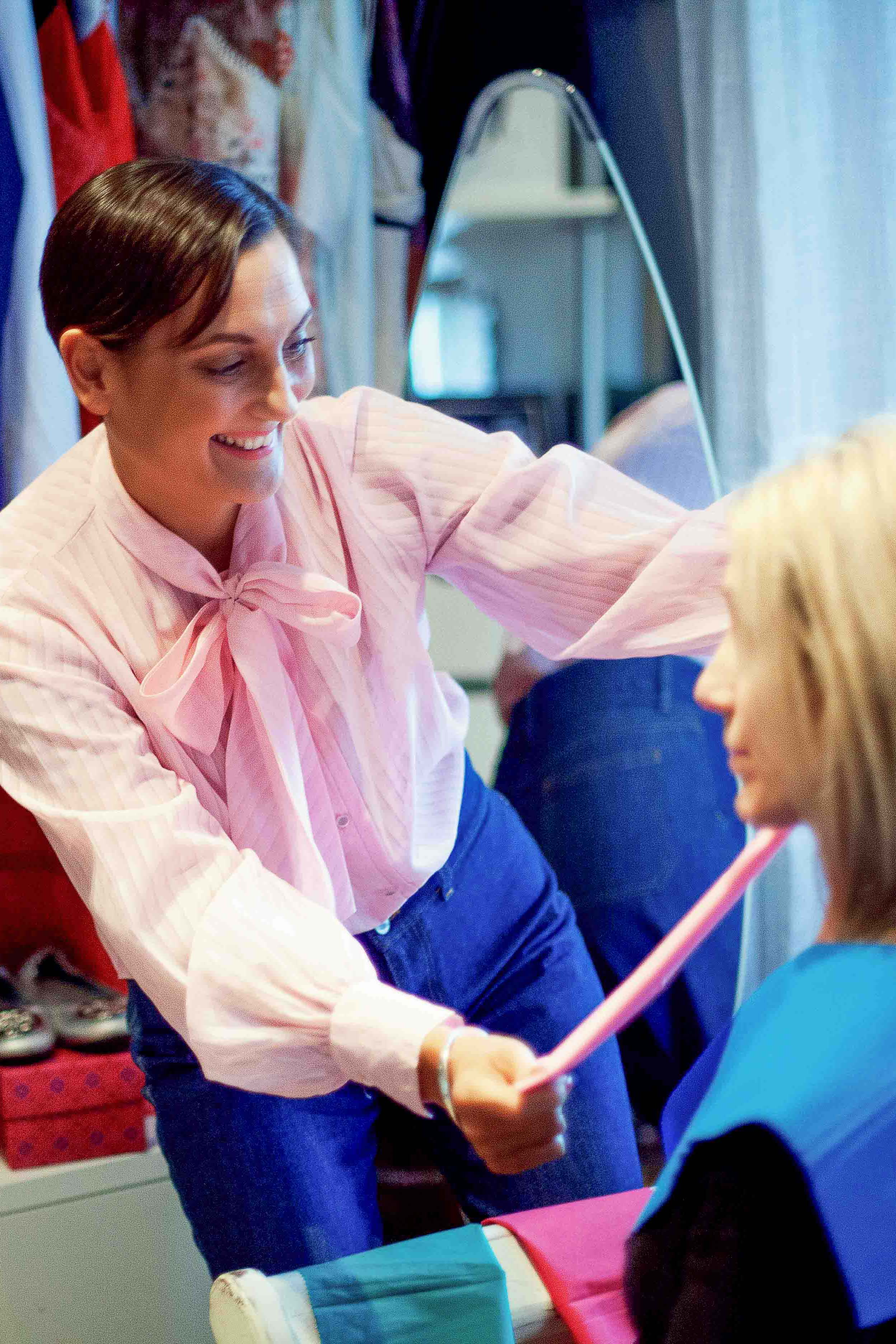 - Choosing the right colours to wear can be really tricky especially if you don't know your colours.Are you wearing colours to suit your hair and eye colour? Do you know what colours best suit your skin tone?Wearing the wrong colours can have a negative effect on your appearance. It can age you, make you look more tired, knowing the right colours for you can instantly make you look younger, more radiant and confident.Spend 90 minutes with me and my colour swatches and I will show you how to wear the best colours for you, and also the colours to avoid.Having a colour analysis has so many benefits for you, not only with clothes but your make up too. Let me teach you about colours to enhance your features, brighten up your wardrobe and make your shopping trips easier.Colour Analysis £50 per hour
