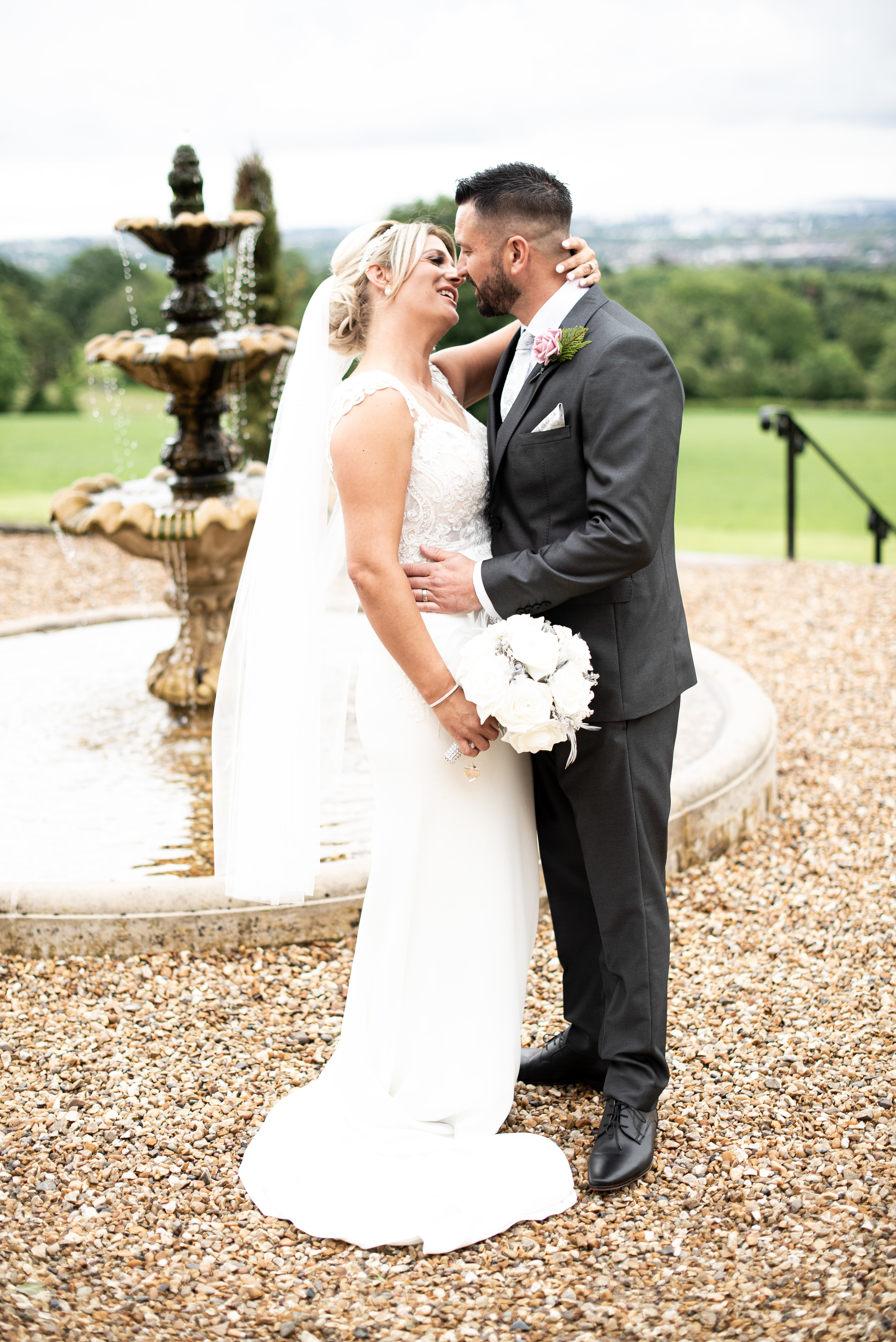 "Nicola & David - "" We had Alex for our wedding and he was excellent, made us feel so comfortable the whole day and our guest, highly recommend Alex, will also be using Alex for some family photos in the future. ""⭐⭐⭐⭐⭐"