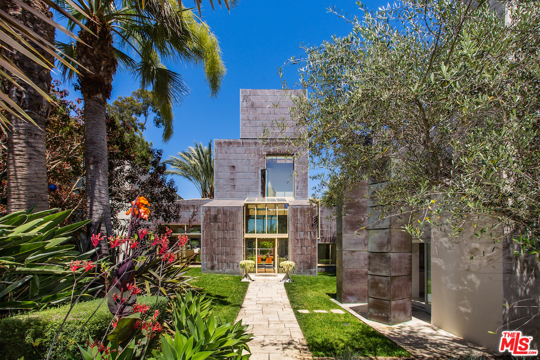 Schnabel House by Frank Gehry - 526 N. Carmelina Ave, Los Angeles, CA 90049