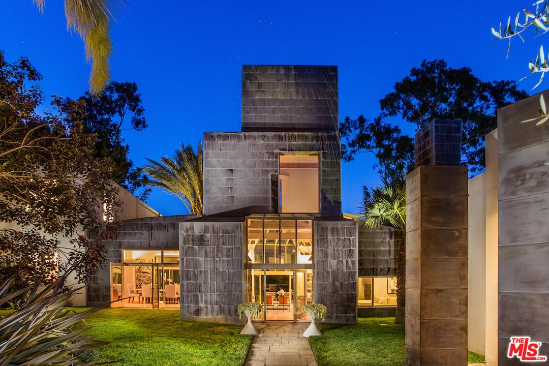 Frank-Gehry-526-N-Carmelina-Ave-13.jpg