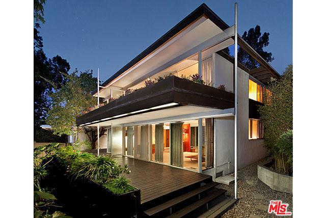 The Kambara Residence by Richard Neutra - 2232 Silver Lake Blvd, Los Angeles, CA 90039