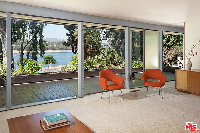 It's evident that the home was designed by someone that had an intimate understanding of the area, the light, and the views… which is understandable given that Neutra lived right down the street (he built his own place in 1933).