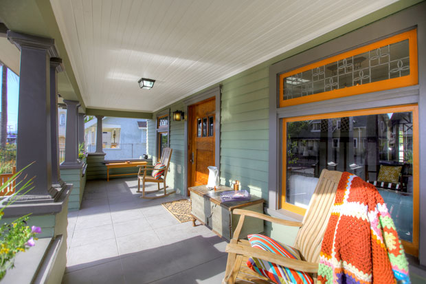 This gorgeous 1906 Craftsman built by the California Bungalow Company boasts all the features and warmth of a treasured homestead. By combining its classic design with a generous setback that's elevated slightly above street level, this home exudes the sort of presence that immediately garners the attention of anyone passing by. There is no doubt that you would be thrilled to call it yours.
