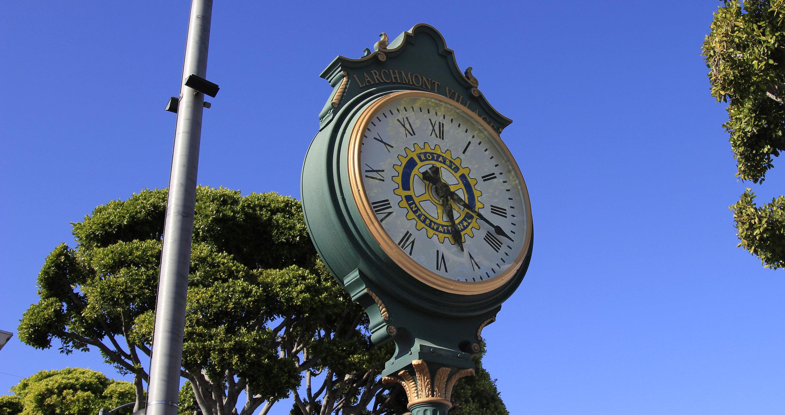 Clock in Larchmont Village