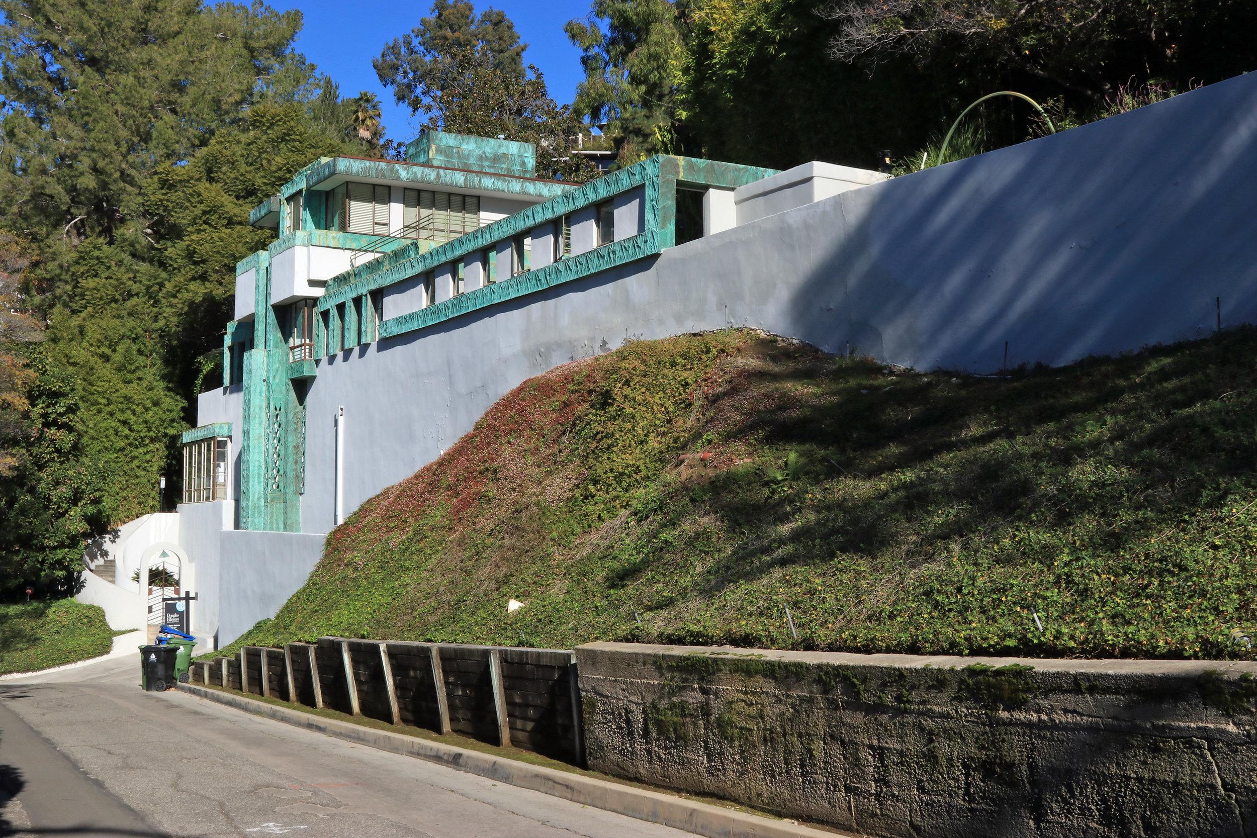 Samuels-Navarro House   Lloyd Wright - 1922-23