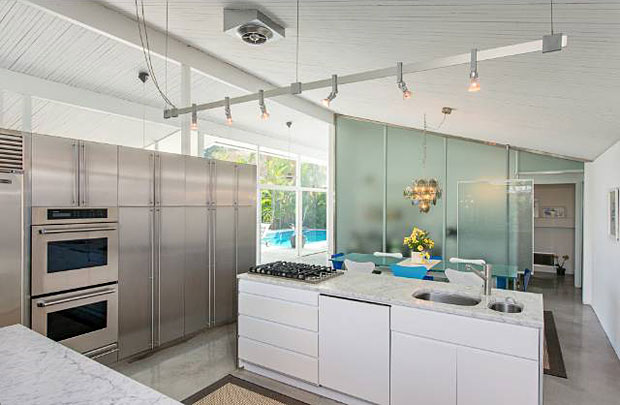 The home may have been built in 1958, but the kitchen is totally modern.