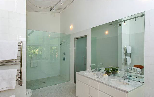 Like the kitchen, the bathrooms are totally updated and gorgeous.