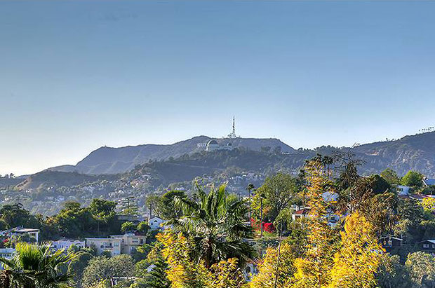 The views enjoyed by this property are sweeping and include everything from Griffith Observatory and Hollywood sign all the way out to the ocean.
