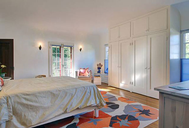 If four bedrooms aren't enough, the property also comes with an 800 square foot guest house, with 12' ceilings.