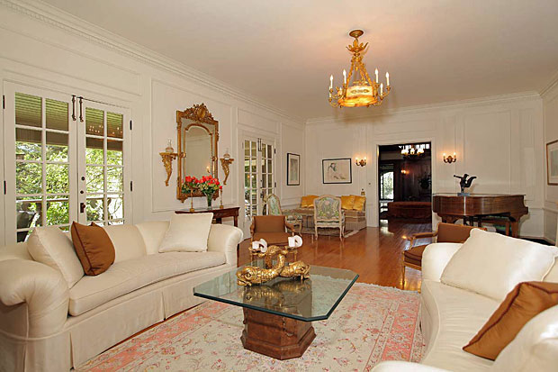 The home, which is a registered Los Angeles Cultural Monument, was built for Henry O'Melveny, dean of the California bar and partner of the law firm known today as O'Melveny & Myers. O'Melveny owned the home until he died in 1941.