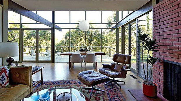 """The significance of this particular home in the chronology of the firm can be measured by the fact that it was chosen for the rear cover and inside Donald Hensman's book """"Buff and Hensman""""."""
