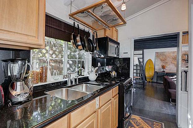 2300-San-Marco-Dr-kitchen-2.jpg