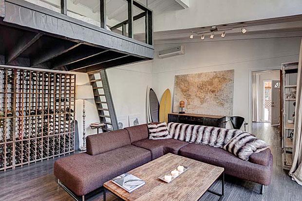 2300-San-Marco-Dr-living-room-2.jpg